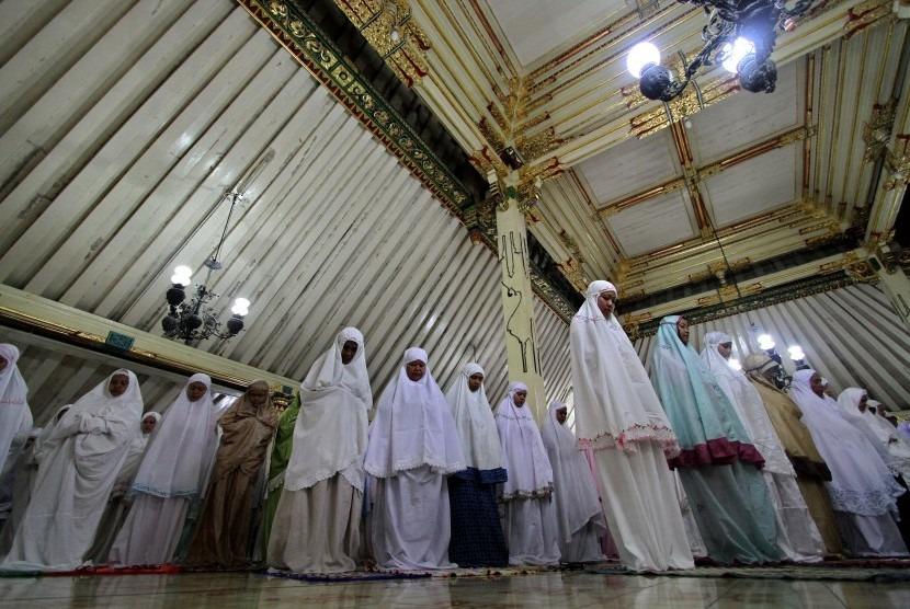 Hukum Perempuan Pergi ke Masjid untuk Tarawih