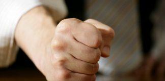 musuh manusia agar tidak menjadi pemarah