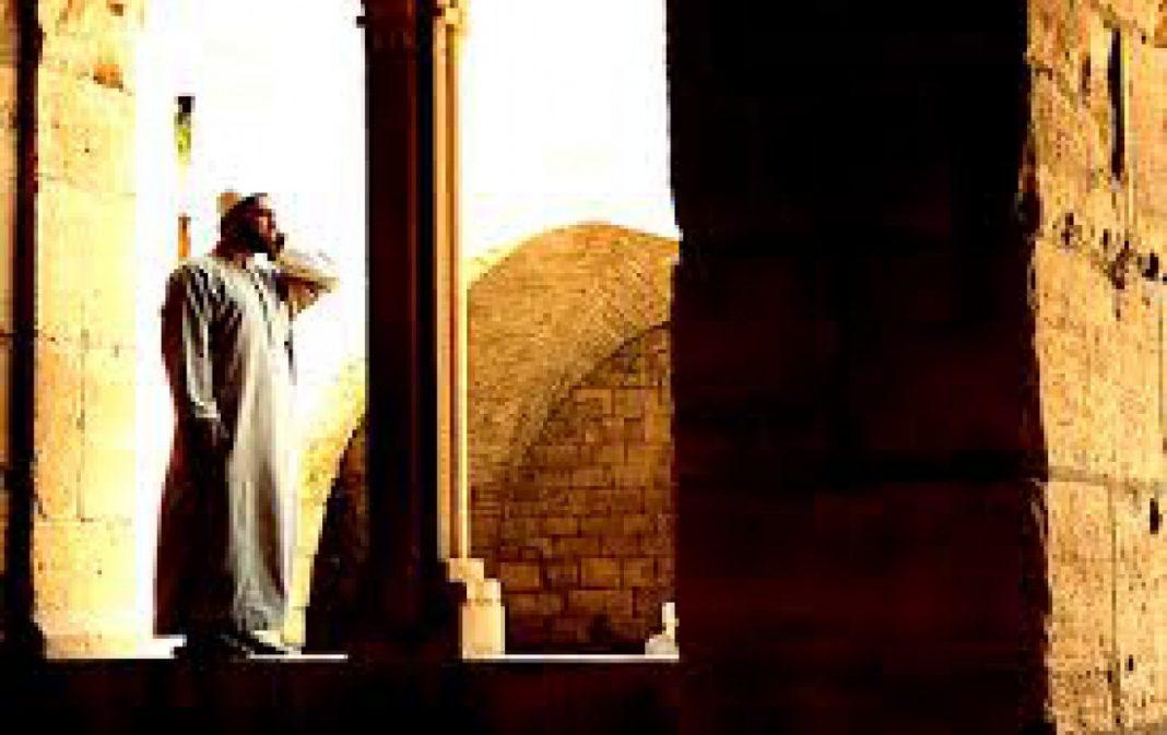 Mengapa_Nabi_Tidak_Pernah_Mengumandangkan_Azan_untuk_Shalat