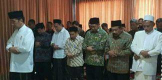 Jokowi Imam Shalat