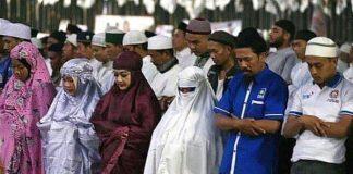 Hukum Wanita Memakai Cadar Ketika Shalat