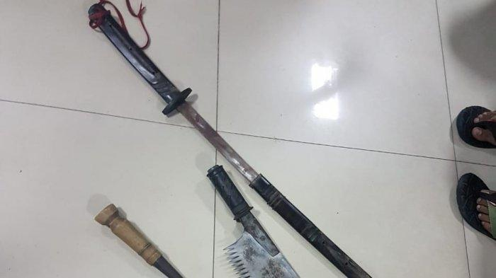 senjata tajam