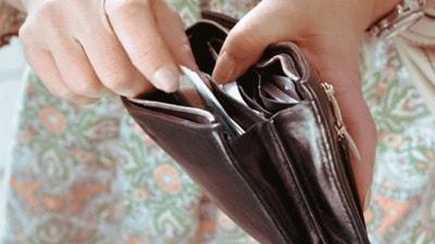 Mengambil Uang Dari Dompet Suami Tanpa Izin
