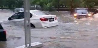terbawa banjir