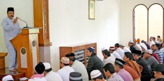 Jamaah Shalat Jumat Kurang dari 40 Orang