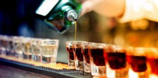 berbuka puasa dengan minuman keras