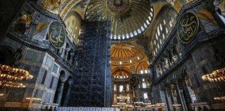 Mengubah Hagia Sophia menjadi masjid
