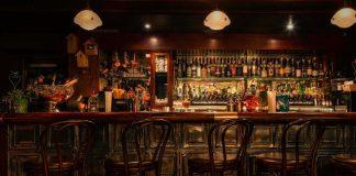 Hukum Bekerja di Restoran Tidak Halal