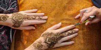Memakai Henna bagi Perempuan