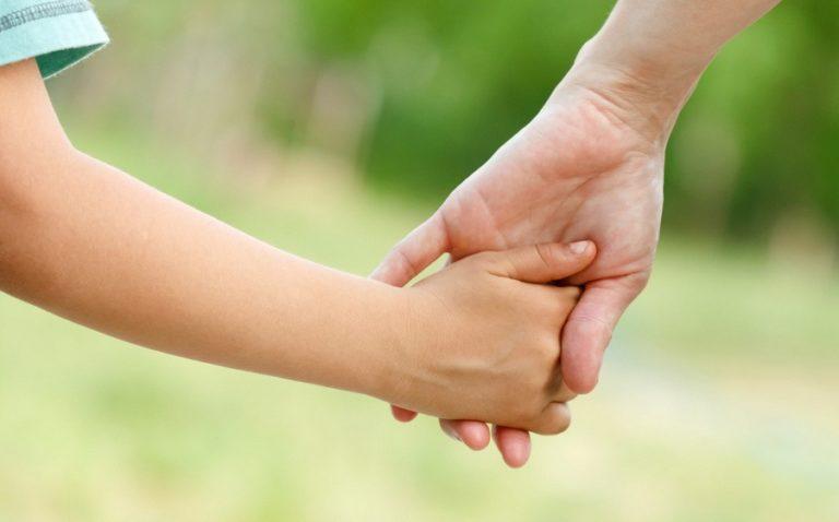 Orang Tua Tidak Wajib Menafkahi Anak yang Beda Agama