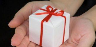 memberikan hadiah untuk konsumen