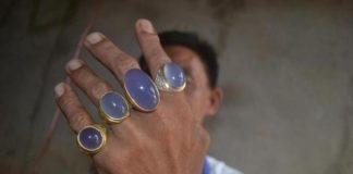 memakai cincin batu akik lebih dari satu
