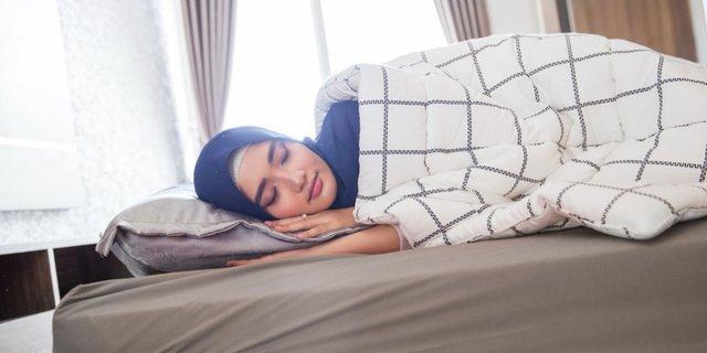Tidur Menghadap Kanan