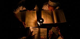ahli ilmu lebih utama dibanding ahli ibadah iqra.id