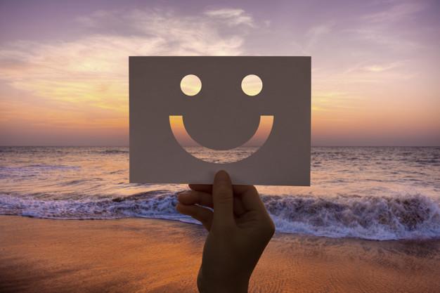 Keutamaan Tersenyum