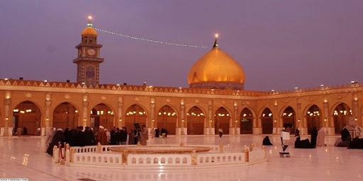 membersihkan masjid