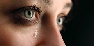 menangis mengingat Allah